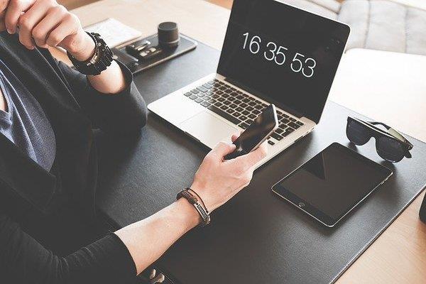 Las nuevas tecnologías pueden ayudarte a gestionar tus tareas de manera eficiente