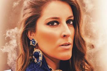El 17 de octubre, con la actuación de la cantaora Argentina, en la Casa de la Cultura Carmen Conde