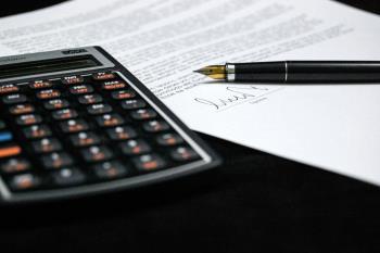 Más Madrid-Ganar Móstoles insta al gobierno municipal a cumplir los acuerdos presupuestarios.