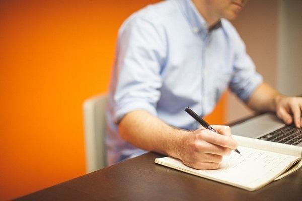 Ofrecerá atención y asesoramiento personalizados a responsables de comercios y negocios de hostelería sobre trámites