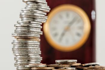 El PP municipal señala que el consistorio tarda casi medio año en pagar a sus proveedores