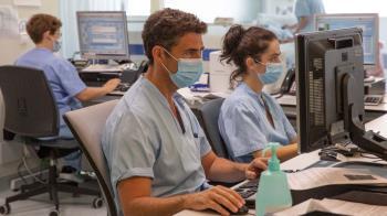 A los pacientes se les ofrece en consulta la posibilidad de conocer y registrarse en una plataforma, que permite mejorar la asistencia telemática