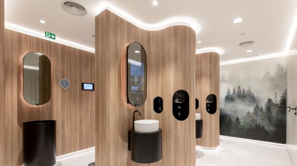La estación se convierte en la primera de España con servicio de ducha y puesto de chequeo de salud
