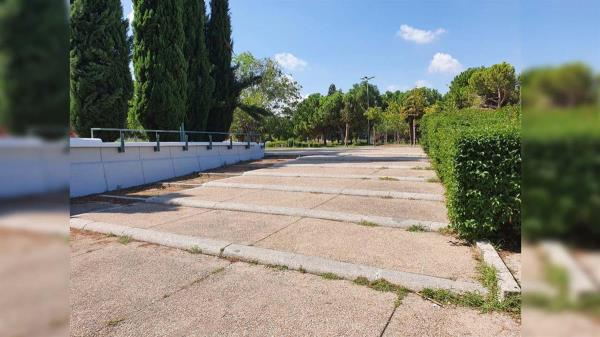 El Ayuntamiento va a sustituirlo por una rampa para que la zona sea accesible para todos