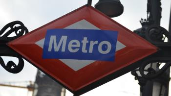 Un chico de 25 años es agredido en el metro de Madrid por su condición sexual