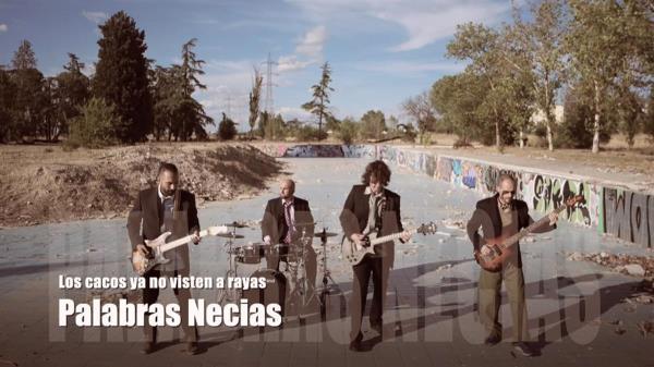El grupo de rock and roll utiliza las ruinas de la piscina Solagua