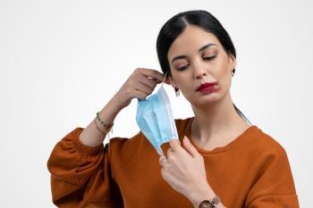 Los fijadores de maquillaje te ayudarán a quitarte el miedo de mostrar tu cara cuando la distancia social lo permita