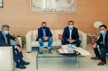El alcalde de Torrejón, Ignacio Vázquez se reunió ayer con el equipo de gobierno de la Comunidad