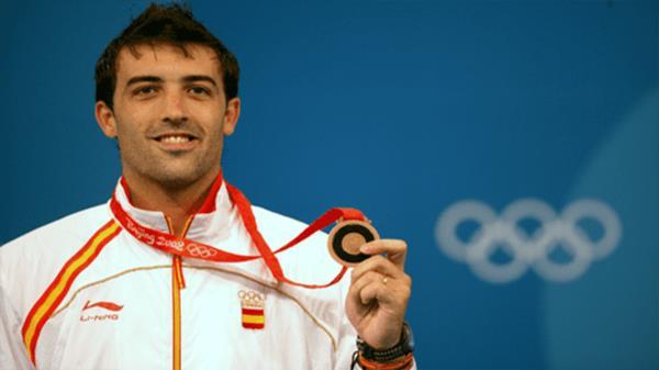 El esgrimista olímpico ha mostrado su apoyo al municipio