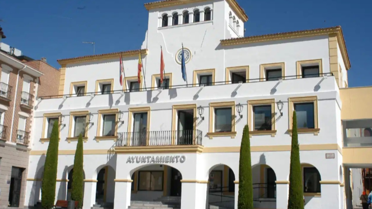 La sesión ordinaria de abril ha estado marcada por lo sucedido en la campaña de Vox en Vallecas