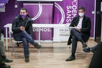 El partido se ha reunido con sindicatos como SATSE para conocer las condiciones de los trabajadores del hospital