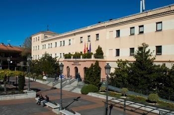 El Ayuntamiento de Pozuelo se ha puesto a disposición tras conocerse 12 casos positivos