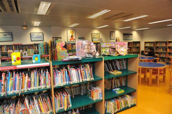 Pozuelo de Alarcón incrementará en 12.000 ejemplares su fondo bibliográfico de 2021 a 2025