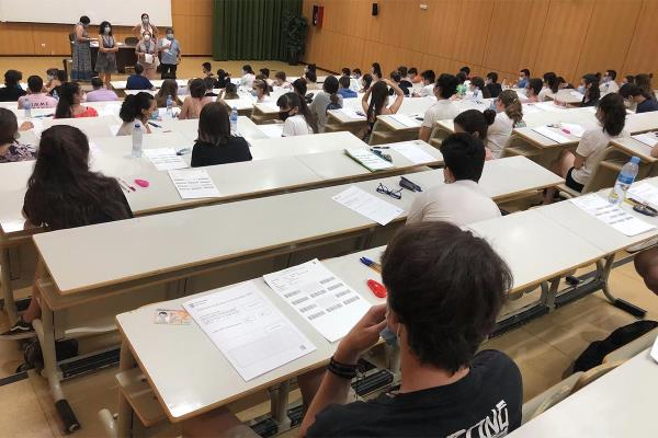 Primer día de examen de EvAU en la UAH