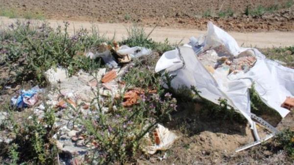 Es la segunda vez que este partido denuncia los residuos de la zona