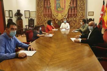 Tras una nueva reunión de la Oficina Horizonte 2030, los grupos municipales de PSOE y Ciudadanos han decidido solicitar la realización de un Pleno Extraordinario para poner fin al plan de ajuste que rige el Ayuntamiento de Alcalá de Henares desde el año 2012