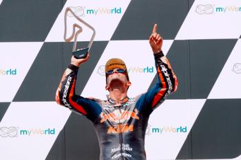 Nuestro piloto se llevó la victoria en Austria y, ahora, aspira al título mundial