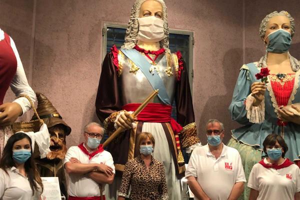 ¿Quieres conocer, de cerca, a La Comparsa de Gigantes y Cabezudos de Pozuelo de Alarcón?