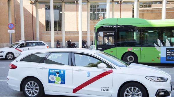 La flota de taxis llevará un vinilo con la campaña 'Todo está en Tres Cantos' con un código QR se redirige a la plataforma en la que se agrupan los establecimientos comerciales