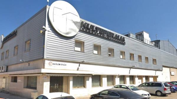 El productor está acusado de liderar una red de estafas financieras
