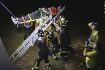 Los agentes de la Policía Nacional que la rescataron eran los mismos de la anterior vez. En el rescate intervinieron los Bomberos de Madrid