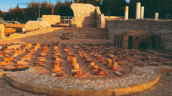 Revive la historia de Roma en el parque arqueológico de Complutum