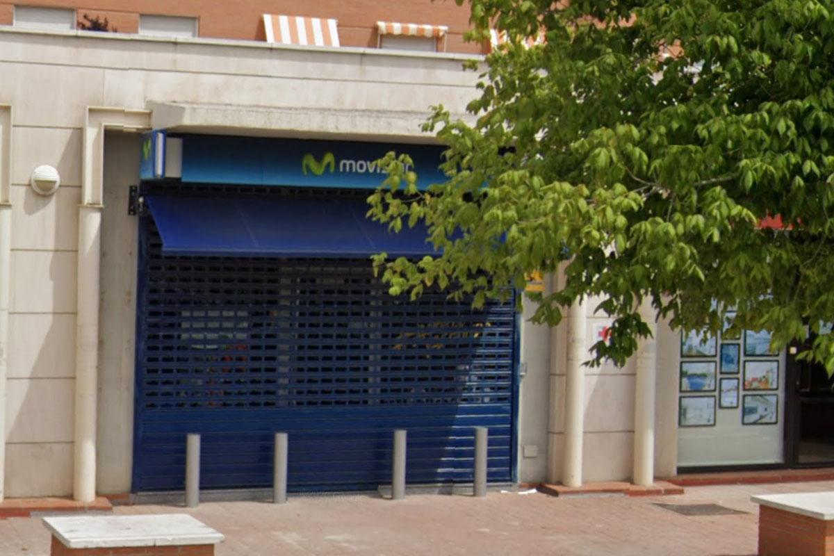 Cuatro encapuchados han asaltado la tienda a punta de navaja