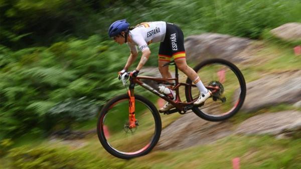 La mostoleña corrió en el circuito de mountain bike con dos zonas fracturadas