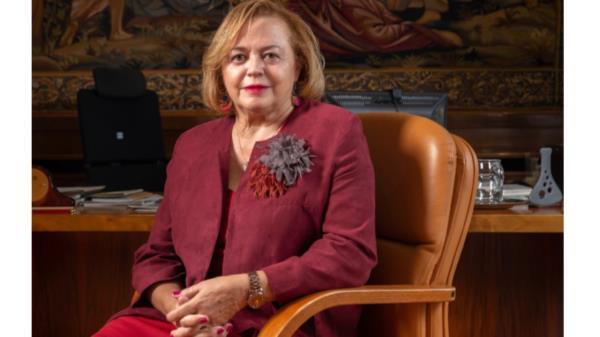 La primera presidenta del CSIC da un paso más y recibe el premio Clara Campoamor