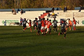 Los alcalaínos no consiguieron la victoria a pesar de dominar al rival y tener las ocasiones más claras del partido