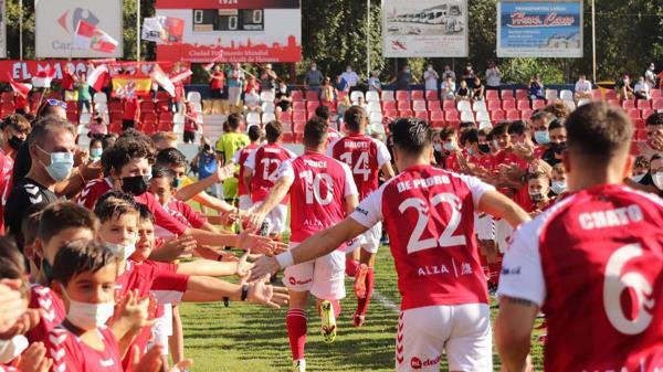 La RSD Alcalá cosechó una prestigiosa victoria ante el Moratalaz, mientras que el Complutense comenzó perdiendo fuera de casa
