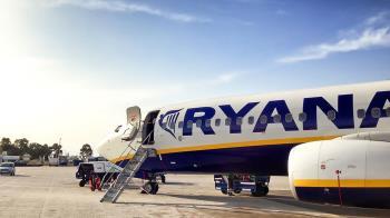 La compañía aérea abonará los gastos materiales generados y una compensación económica