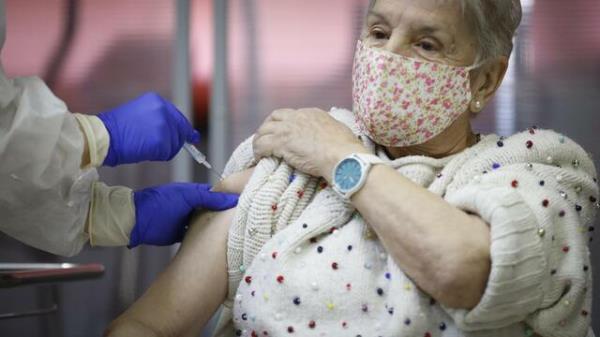Los menores de 60 años de alto riesgo son ahora prioritarios en la vacunación