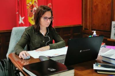 """Lee toda la noticia 'Sara Hernández: """"Isabel Díaz Ayuso está utilizando la pandemia para establecer madrileños de primera y madrileños de segunda""""'"""