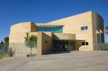 La Biblioteca Francisco Umbral aumenta la oferta de libros de lectura fácil