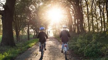 Esta semana se retoman las clases en todo el país y la DGT anima a desplazarse a pie, en bicicleta o en transporte público