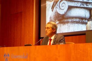 El rector José Vicente Saz ha explicado las medidas para la vuelta a las aulas el próximo día 28