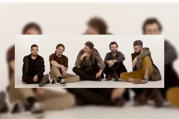 El single está producido en los estudios Sonobox