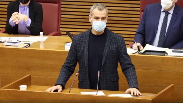 """El juez del Contencioso Administrativo considera que los puestos 5 y 18 de las listas populares son """"inelegibles"""""""
