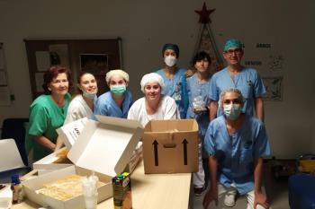 La compañía de danza llevo costradas, empanadas y bollería al personal sanitario