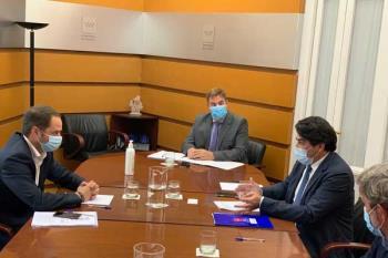El ejecutivo local mantuvo una reunión con el consejero de Vivienda y Administración Local, David Pérez