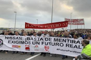 Los manifestantes exigen a Pedro Sánchez que paralice el ERE y elimine la fecha de diciembre de 2020 como data de cierre