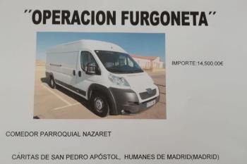 """La """"Operación Furgoneta"""" es necesaria para repartir las comidas hechas y alimentos a las personas que lo necesitan"""
