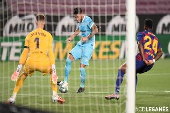 El Leganés sufre una derrota digna por 2-0 ante el Barcelona en el Camp Nou