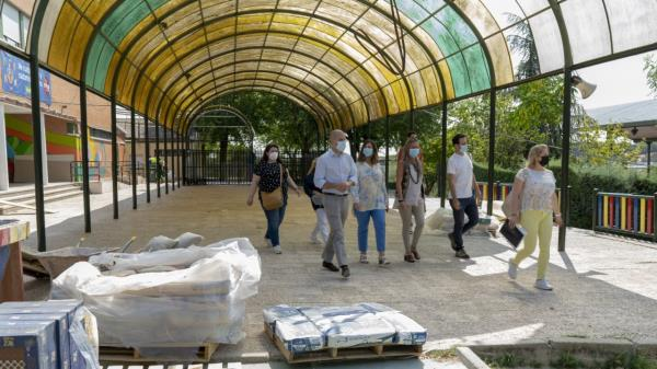 Se instalarán techos, sustitución de marquesinas, obras en aseos y escaleras entre otras actuaciones