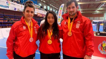 Peggy Mendoza, Beatriz Castellanos y Jose María González han conseguido las medallas en la categoría máster 2 y en trío sincronizado