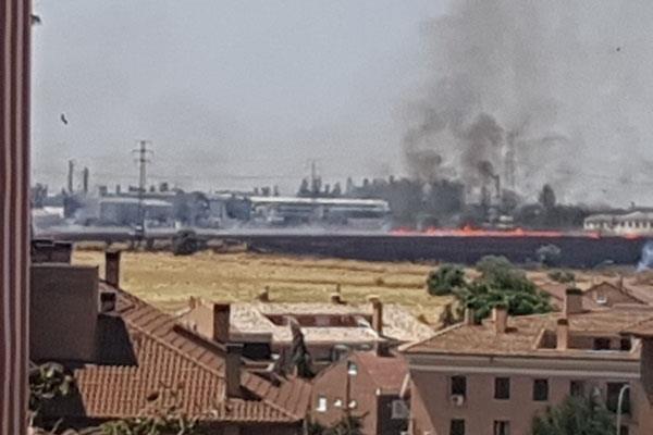 Una quema de pastos provoca un incendio en Humanes de Madrid