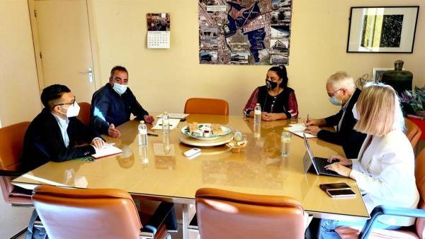 El alcalde de nuestra ciudad, Javier Corpa, se ha reunido con los representantes del partido