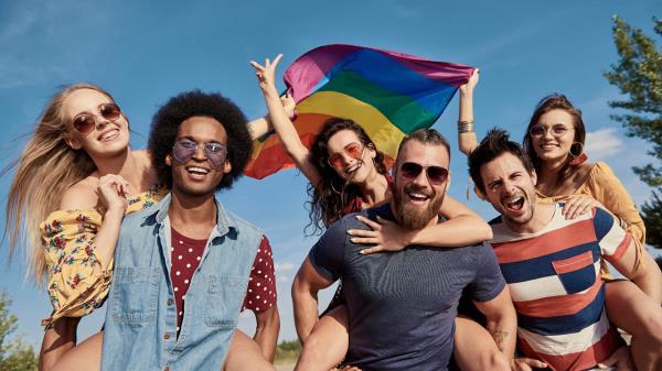 """Si quieres hacer una """"escapada gay"""" las agencias de viajes aprovechan el tirón comercial"""