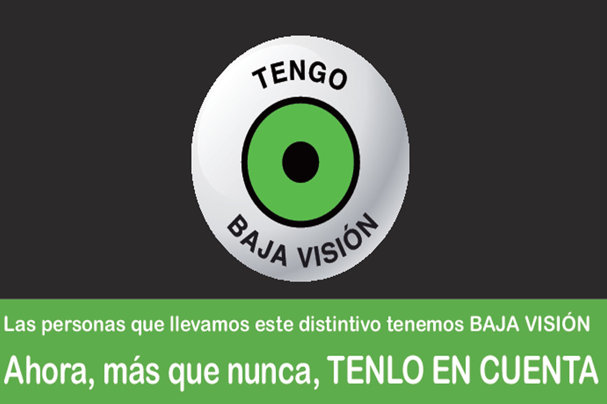 El proyecto impulsado por asociaciones busca identificar a las personas con discapacidad visual con una chapa para que sean comprendidas